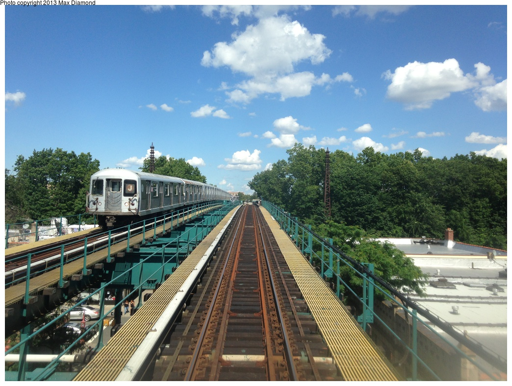 (350k, 1044x788)<br><b>Country:</b> United States<br><b>City:</b> New York<br><b>System:</b> New York City Transit<br><b>Line:</b> BMT Nassau Street/Jamaica Line<br><b>Location:</b> 102nd-104th Streets <br><b>Route:</b> J<br><b>Car:</b> R-42 (St. Louis, 1969-1970)   <br><b>Photo by:</b> Max Diamond<br><b>Date:</b> 8/4/2013<br><b>Viewed (this week/total):</b> 1 / 1578