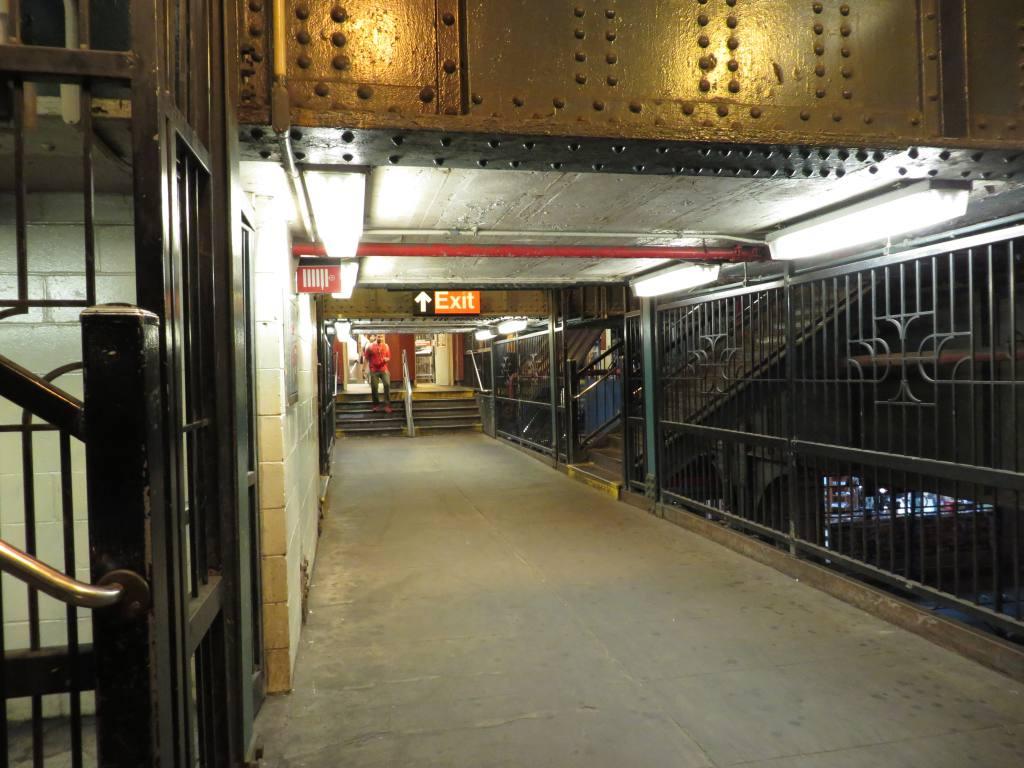 (121k, 1024x768)<br><b>Country:</b> United States<br><b>City:</b> New York<br><b>System:</b> New York City Transit<br><b>Line:</b> BMT Nassau Street/Jamaica Line<br><b>Location:</b> Myrtle Avenue <br><b>Photo by:</b> Robbie Rosenfeld<br><b>Date:</b> 8/19/2013<br><b>Notes:</b> Underpass<br><b>Viewed (this week/total):</b> 0 / 1078