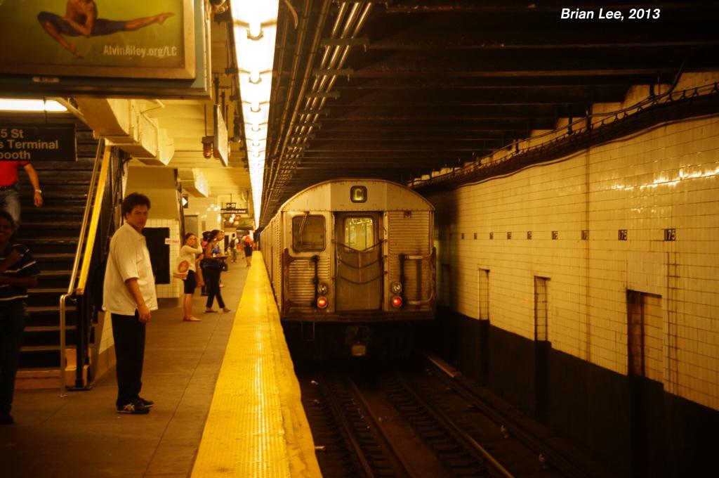 (249k, 1024x680)<br><b>Country:</b> United States<br><b>City:</b> New York<br><b>System:</b> New York City Transit<br><b>Line:</b> IND 8th Avenue Line<br><b>Location:</b> 175th Street/George Washington Bridge Bus Terminal <br><b>Car:</b> R-32 (Budd, 1964)   <br><b>Photo by:</b> Brian Lee<br><b>Date:</b> 8/5/2013<br><b>Viewed (this week/total):</b> 1 / 1615