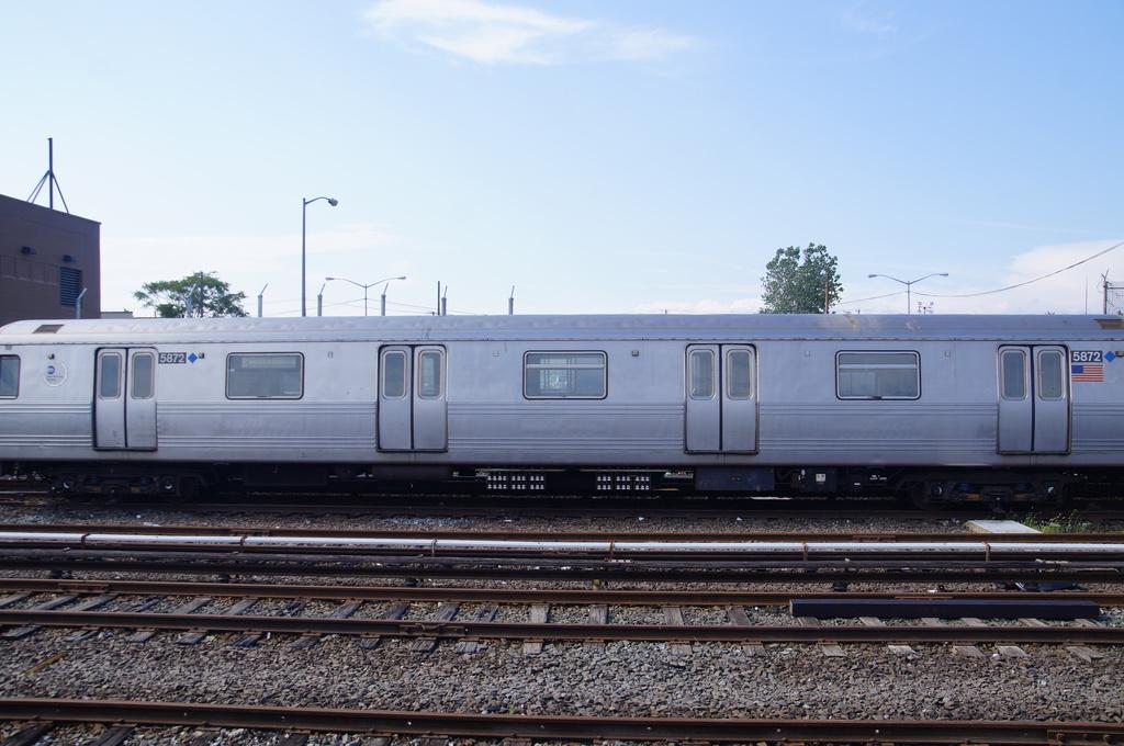 (283k, 1024x680)<br><b>Country:</b> United States<br><b>City:</b> New York<br><b>System:</b> New York City Transit<br><b>Location:</b> Rockaway Park Yard<br><b>Car:</b> R-46 (Pullman-Standard, 1974-75) 5672 <br><b>Photo by:</b> Brian Lee<br><b>Date:</b> 8/3/2013<br><b>Viewed (this week/total):</b> 2 / 726
