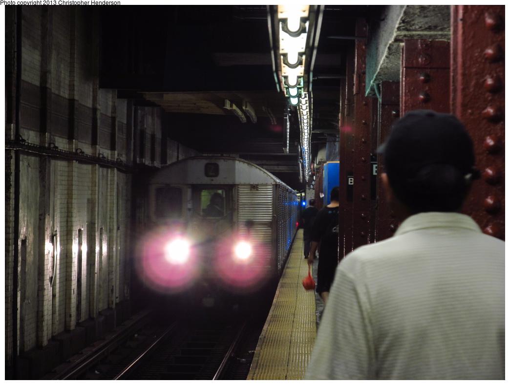(247k, 1044x788)<br><b>Country:</b> United States<br><b>City:</b> New York<br><b>System:</b> New York City Transit<br><b>Line:</b> BMT Nassau Street/Jamaica Line<br><b>Location:</b> Bowery <br><b>Route:</b> J<br><b>Car:</b> R-32 (Budd, 1964)  3925 <br><b>Photo by:</b> Christopher Henderson<br><b>Date:</b> 6/21/2013<br><b>Viewed (this week/total):</b> 0 / 1377