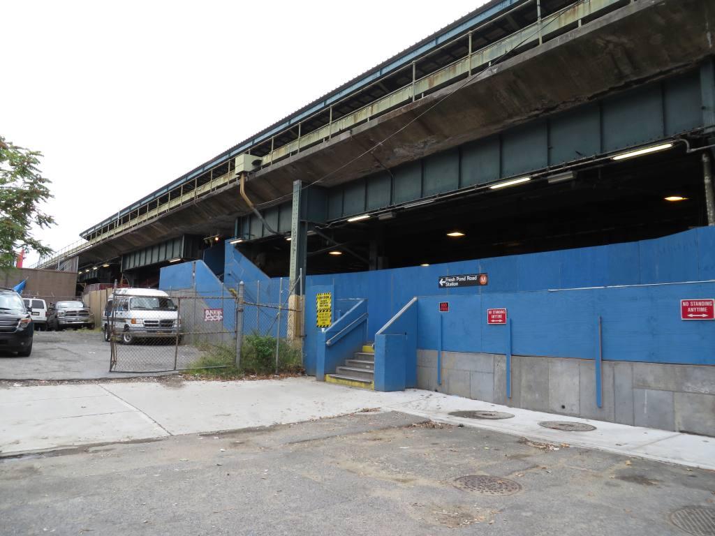 (112k, 1024x768)<br><b>Country:</b> United States<br><b>City:</b> New York<br><b>System:</b> New York City Transit<br><b>Line:</b> BMT Myrtle Avenue Line<br><b>Location:</b> Fresh Pond Road<br><b>Photo by:</b> Robbie Rosenfeld<br><b>Date:</b> 9/16/2013<br><b>Notes:</b> Station renovation<br><b>Viewed (this week/total):</b> 0 / 1451