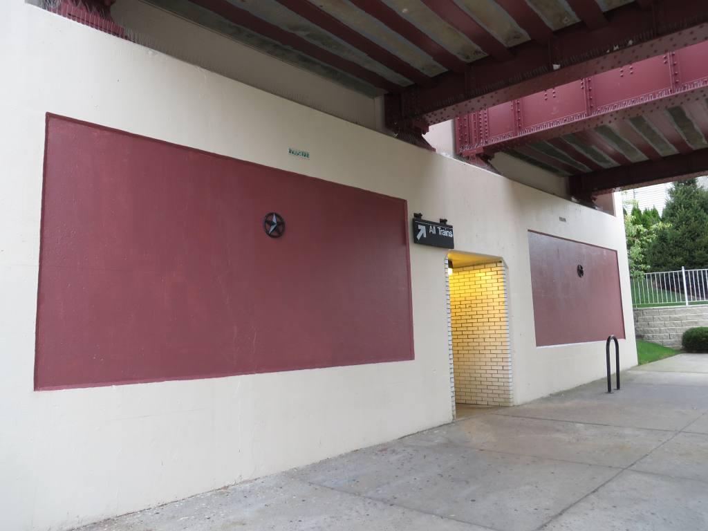 (81k, 1024x768)<br><b>Country:</b> United States<br><b>City:</b> New York<br><b>System:</b> New York City Transit<br><b>Line:</b> SIRT<br><b>Location:</b> Bay Terrace <br><b>Photo by:</b> Robbie Rosenfeld<br><b>Date:</b> 10/16/2013<br><b>Notes:</b> Station entrance<br><b>Viewed (this week/total):</b> 0 / 661
