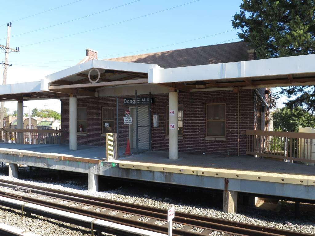 (143k, 1024x768)<br><b>Country:</b> United States<br><b>City:</b> New York<br><b>System:</b> New York City Transit<br><b>Line:</b> SIRT<br><b>Location:</b> Dongan Hills <br><b>Photo by:</b> Robbie Rosenfeld<br><b>Date:</b> 10/15/2013<br><b>Notes:</b> Headhouse<br><b>Viewed (this week/total):</b> 0 / 565