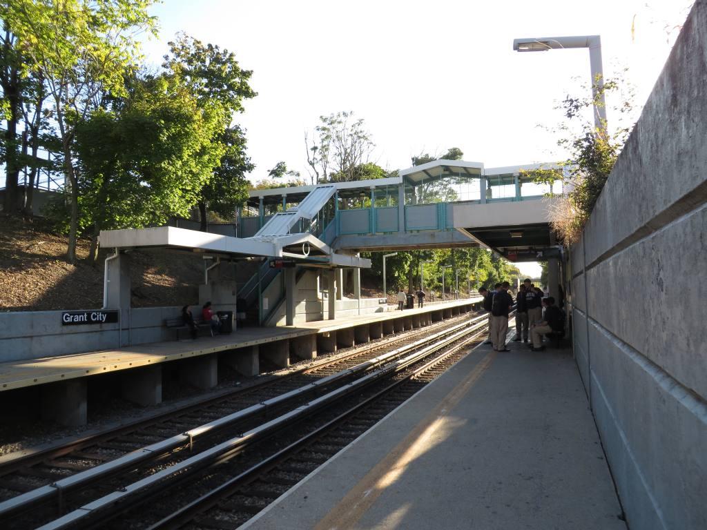 (145k, 1024x768)<br><b>Country:</b> United States<br><b>City:</b> New York<br><b>System:</b> New York City Transit<br><b>Line:</b> SIRT<br><b>Location:</b> Grant City <br><b>Photo by:</b> Robbie Rosenfeld<br><b>Date:</b> 10/15/2013<br><b>Viewed (this week/total):</b> 1 / 749