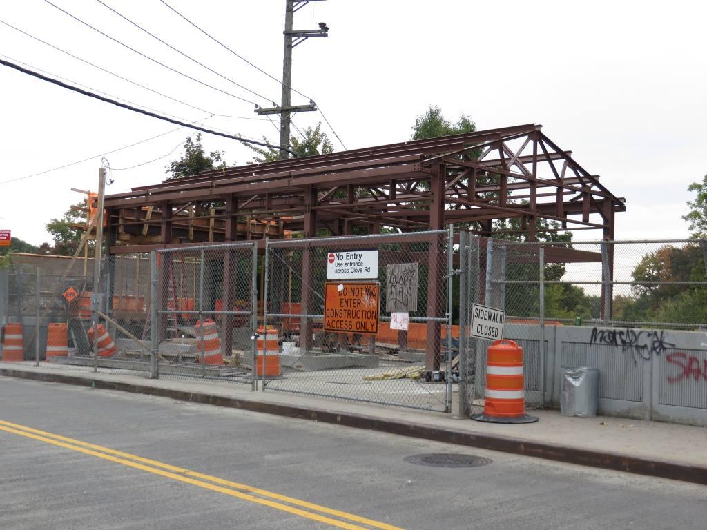 (127k, 1024x768)<br><b>Country:</b> United States<br><b>City:</b> New York<br><b>System:</b> New York City Transit<br><b>Line:</b> SIRT<br><b>Location:</b> Grasmere <br><b>Photo by:</b> Robbie Rosenfeld<br><b>Date:</b> 10/16/2013<br><b>Viewed (this week/total):</b> 0 / 841