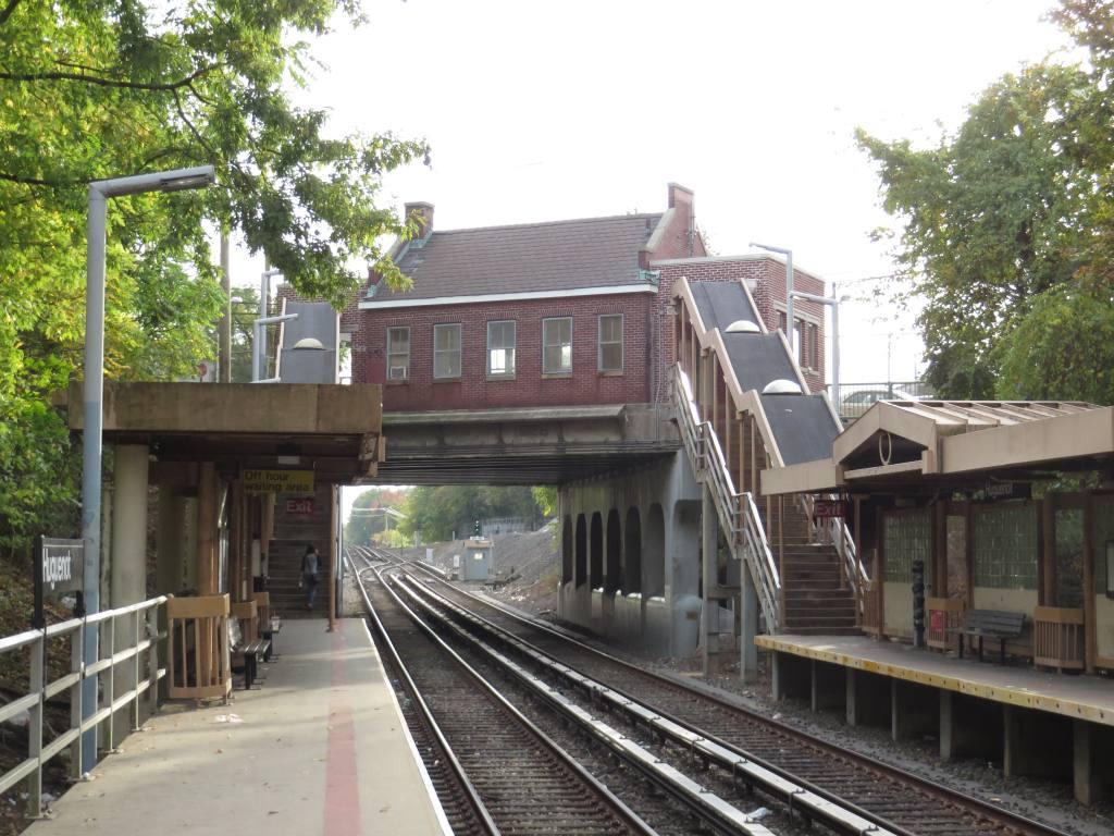 (144k, 1024x768)<br><b>Country:</b> United States<br><b>City:</b> New York<br><b>System:</b> New York City Transit<br><b>Line:</b> SIRT<br><b>Location:</b> Huguenot <br><b>Photo by:</b> Robbie Rosenfeld<br><b>Date:</b> 10/16/2013<br><b>Viewed (this week/total):</b> 0 / 694