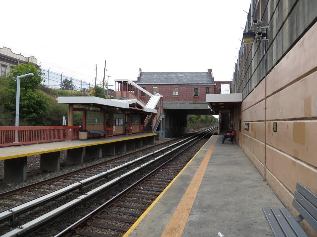 (114k, 1024x768)<br><b>Country:</b> United States<br><b>City:</b> New York<br><b>System:</b> New York City Transit<br><b>Line:</b> SIRT<br><b>Location:</b> New Dorp <br><b>Photo by:</b> Robbie Rosenfeld<br><b>Date:</b> 10/16/2013<br><b>Viewed (this week/total):</b> 1 / 635