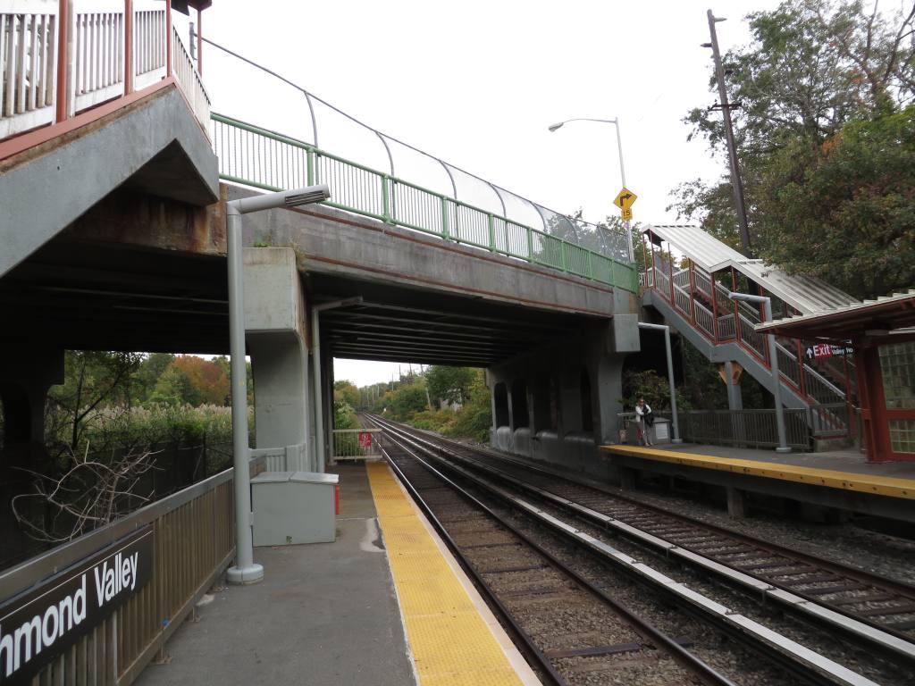 (130k, 1024x768)<br><b>Country:</b> United States<br><b>City:</b> New York<br><b>System:</b> New York City Transit<br><b>Line:</b> SIRT<br><b>Location:</b> Richmond Valley <br><b>Photo by:</b> Robbie Rosenfeld<br><b>Date:</b> 10/16/2013<br><b>Viewed (this week/total):</b> 4 / 677