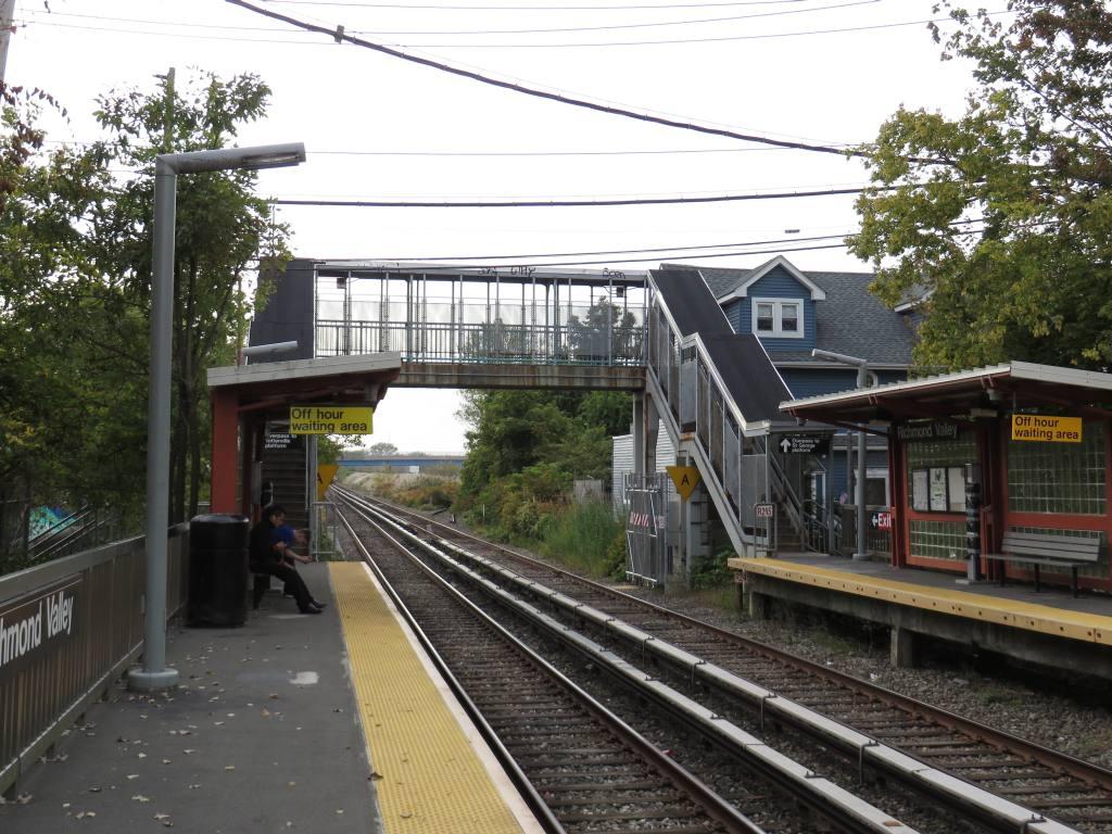 (163k, 1024x768)<br><b>Country:</b> United States<br><b>City:</b> New York<br><b>System:</b> New York City Transit<br><b>Line:</b> SIRT<br><b>Location:</b> Richmond Valley <br><b>Photo by:</b> Robbie Rosenfeld<br><b>Date:</b> 10/16/2013<br><b>Notes:</b> Crossover<br><b>Viewed (this week/total):</b> 1 / 637