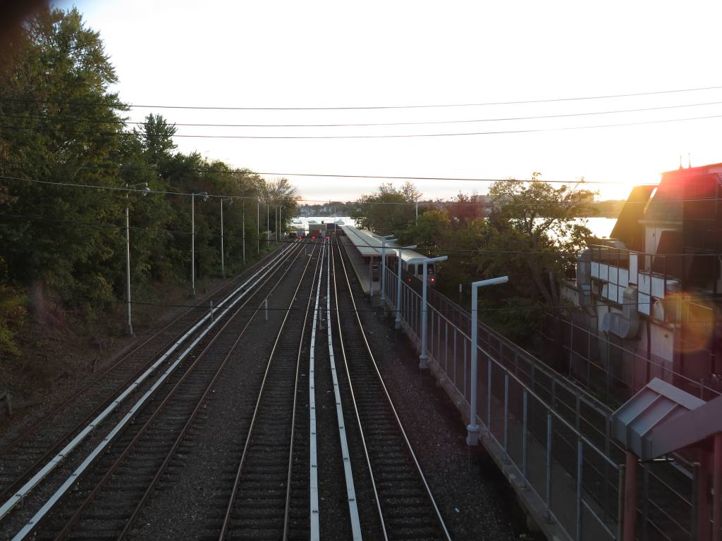 (111k, 1024x768)<br><b>Country:</b> United States<br><b>City:</b> New York<br><b>System:</b> New York City Transit<br><b>Line:</b> SIRT<br><b>Location:</b> Tottenville <br><b>Photo by:</b> Robbie Rosenfeld<br><b>Date:</b> 10/15/2013<br><b>Viewed (this week/total):</b> 2 / 1008