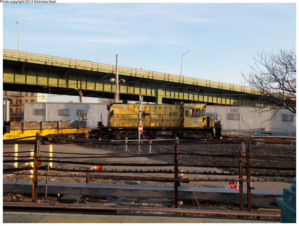 (422k, 1044x788)<br><b>Country:</b> United States<br><b>City:</b> New York<br><b>System:</b> New York City Transit<br><b>Location:</b> East 180th Street Yard<br><b>Route:</b> Work Service<br><b>Car:</b> R-120 Locomotive  907 <br><b>Photo by:</b> Nicholas Noel<br><b>Date:</b> 12/1/2013<br><b>Viewed (this week/total):</b> 4 / 839