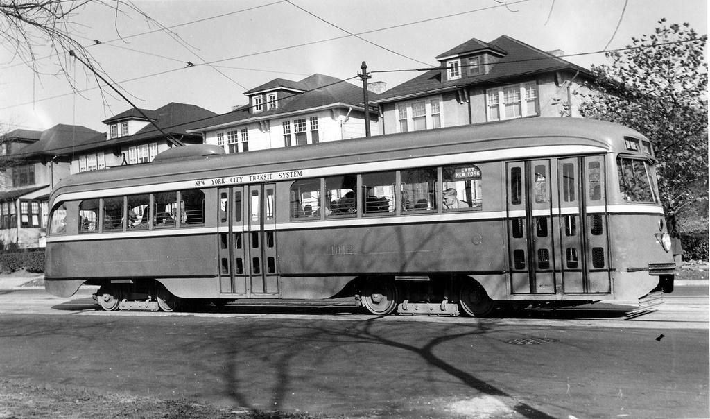 (272k, 1024x604)<br><b>Country:</b> United States<br><b>City:</b> New York<br><b>System:</b> Brooklyn & Queens Transit<br><b>Car:</b> Brooklyn & Queens Transit PCC (St. Louis Car, 1936)  1012 <br><b>Notes:</b> 86 st 8 av c-1946<br><b>Viewed (this week/total):</b> 1 / 494