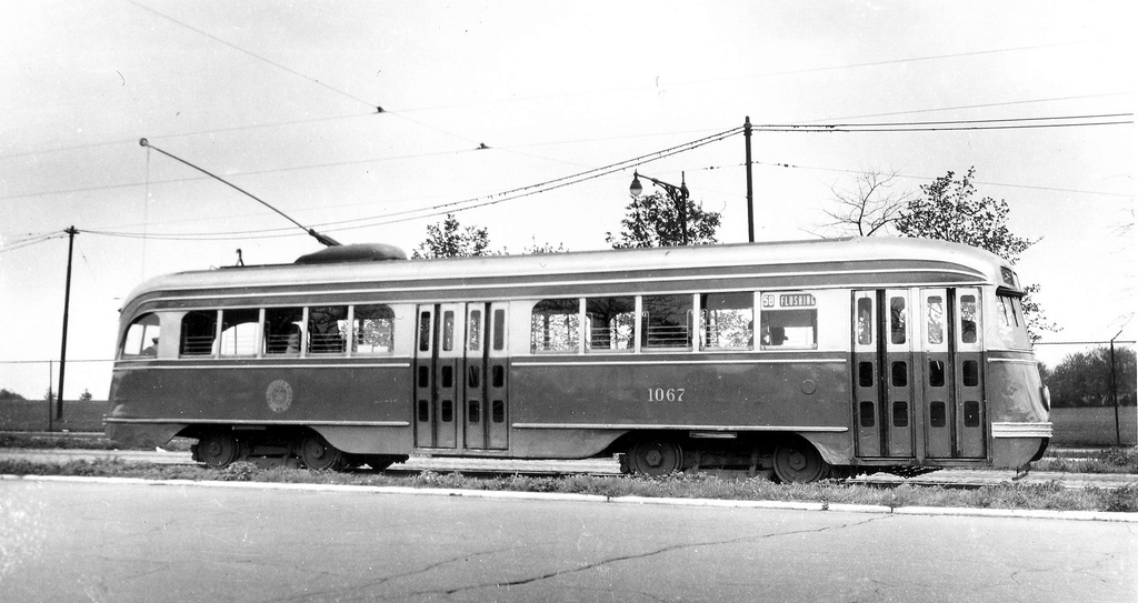 (194k, 1024x543)<br><b>Country:</b> United States<br><b>City:</b> New York<br><b>System:</b> Brooklyn & Queens Transit<br><b>Car:</b> Brooklyn & Queens Transit PCC (St. Louis Car, 1936)  1067 <br><b>Date:</b> 4/24/1949<br><b>Notes:</b> flushing-corona park 4-24-49<br><b>Viewed (this week/total):</b> 1 / 413