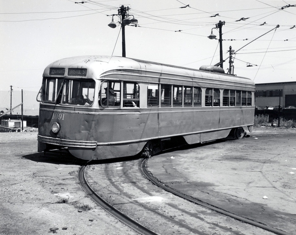 (296k, 1024x814)<br><b>Country:</b> United States<br><b>City:</b> New York<br><b>System:</b> Brooklyn & Queens Transit<br><b>Line:</b> 35/Church <br><b>Location:</b> 39th St/1st Ave - 39th Ferry Loop <br><b>Car:</b> Brooklyn & Queens Transit PCC (St. Louis Car, 1936)  1091 <br><b>Viewed (this week/total):</b> 2 / 444