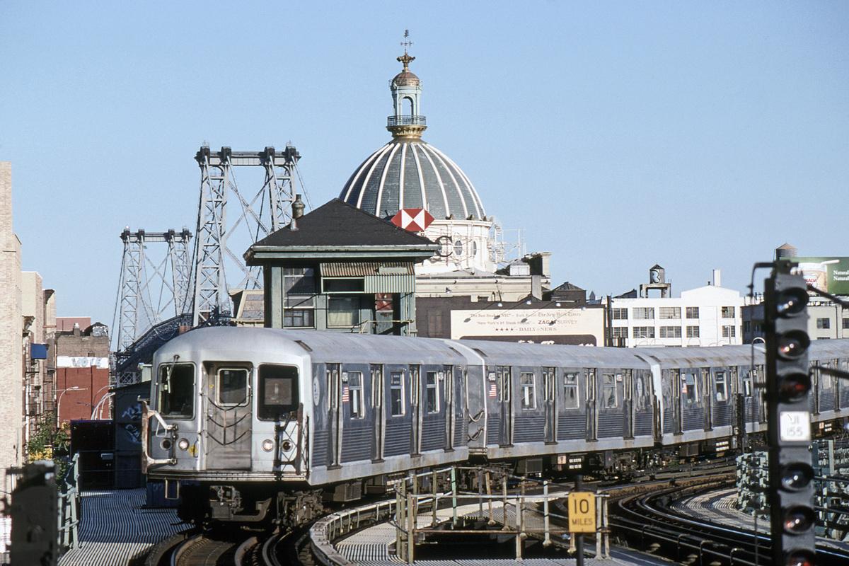 (375k, 1024x683)<br><b>Country:</b> United States<br><b>City:</b> New York<br><b>System:</b> New York City Transit<br><b>Line:</b> BMT Nassau Street/Jamaica Line<br><b>Location:</b> Marcy Avenue <br><b>Route:</b> J<br><b>Car:</b> R-42 (St. Louis, 1969-1970)  4764-5/4750-1/etc <br><b>Photo by:</b> David Warner<br><b>Collection of:</b> David Pirmann<br><b>Date:</b> 6/11/2006<br><b>Viewed (this week/total):</b> 0 / 924