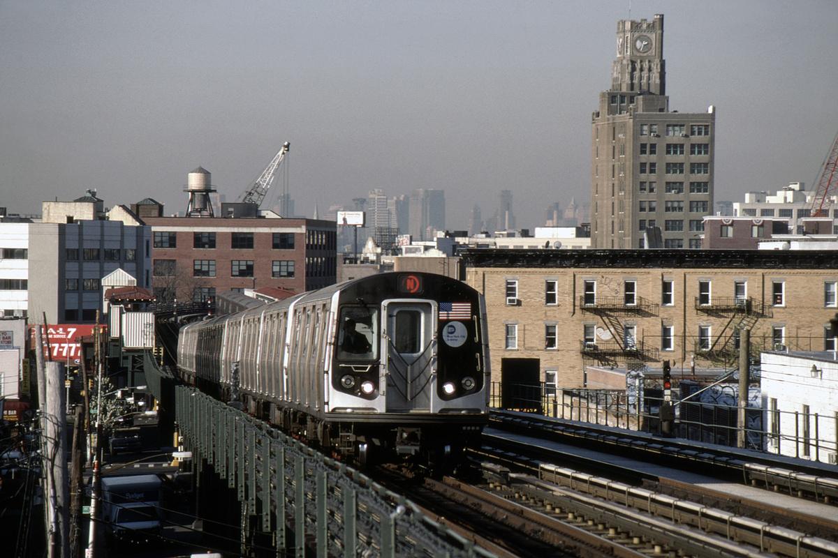 (474k, 1024x682)<br><b>Country:</b> United States<br><b>City:</b> New York<br><b>System:</b> New York City Transit<br><b>Line:</b> BMT Astoria Line<br><b>Location:</b> 36th/Washington Aves. <br><b>Route:</b> N<br><b>Car:</b> R-160B (Kawasaki, 2005-2008)  8828-8832/8738-8742 <br><b>Photo by:</b> David Warner<br><b>Collection of:</b> David Pirmann<br><b>Date:</b> 4/18/2008<br><b>Viewed (this week/total):</b> 0 / 941