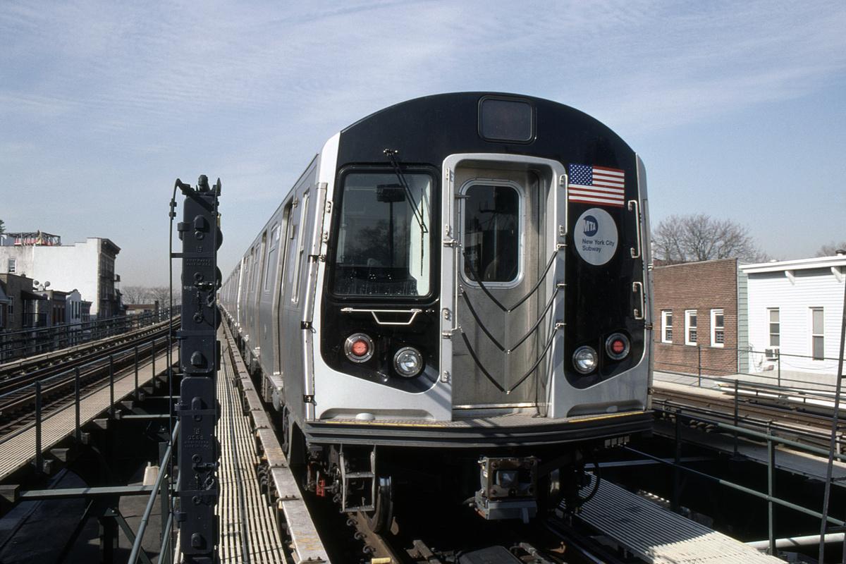 (426k, 1024x682)<br><b>Country:</b> United States<br><b>City:</b> New York<br><b>System:</b> New York City Transit<br><b>Line:</b> BMT Astoria Line<br><b>Location:</b> Astoria Boulevard/Hoyt Avenue <br><b>Route:</b> N<br><b>Car:</b> R-160B (Kawasaki, 2005-2008)  8903-8907/8908-8912 <br><b>Photo by:</b> David Warner<br><b>Collection of:</b> David Pirmann<br><b>Date:</b> 4/18/2008<br><b>Viewed (this week/total):</b> 0 / 815