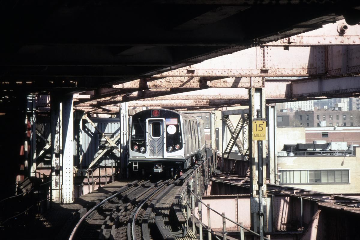(424k, 1044x729)<br><b>Country:</b> United States<br><b>City:</b> New York<br><b>System:</b> New York City Transit<br><b>Line:</b> BMT Astoria Line<br><b>Location:</b> Queensborough Plaza <br><b>Route:</b> N<br><b>Car:</b> R-160B (Kawasaki, 2005-2008)  8918-etc <br><b>Photo by:</b> David Warner<br><b>Collection of:</b> David Pirmann<br><b>Date:</b> 4/18/2008<br><b>Viewed (this week/total):</b> 1 / 1019