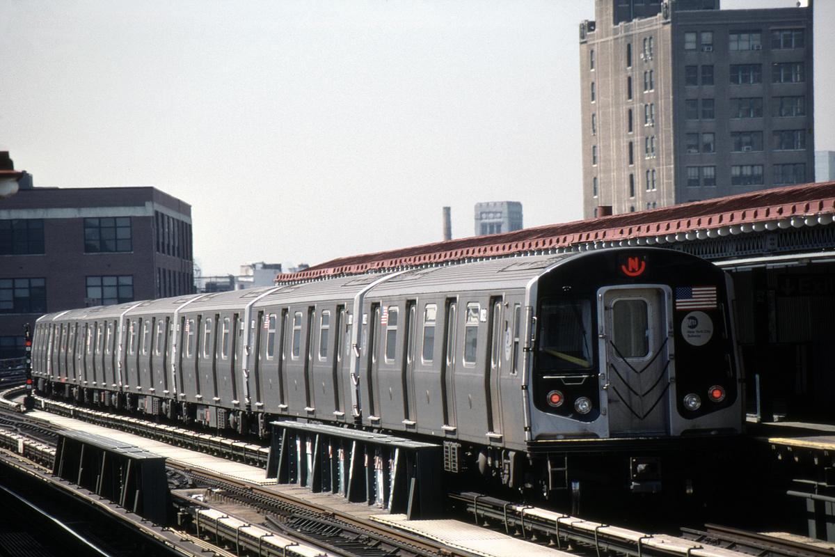 (436k, 1024x683)<br><b>Country:</b> United States<br><b>City:</b> New York<br><b>System:</b> New York City Transit<br><b>Line:</b> BMT Astoria Line<br><b>Location:</b> 39th/Beebe Aves. <br><b>Route:</b> N<br><b>Car:</b> R-160B (Kawasaki, 2005-2008)  8818--8822/8718-8722 <br><b>Photo by:</b> David Warner<br><b>Collection of:</b> David Pirmann<br><b>Date:</b> 4/18/2008<br><b>Viewed (this week/total):</b> 0 / 754