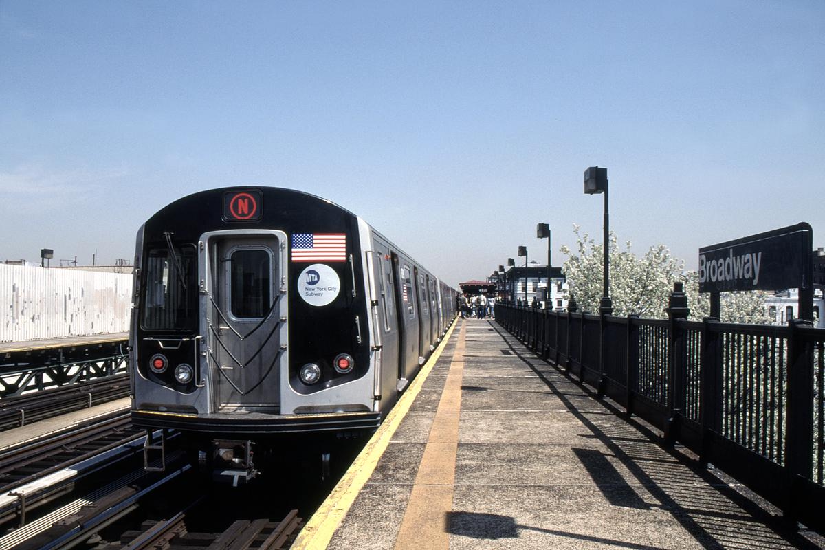 (446k, 1024x683)<br><b>Country:</b> United States<br><b>City:</b> New York<br><b>System:</b> New York City Transit<br><b>Line:</b> BMT Astoria Line<br><b>Location:</b> Broadway <br><b>Route:</b> N<br><b>Car:</b> R-160B (Kawasaki, 2005-2008)  8798-8802/etc <br><b>Photo by:</b> David Warner<br><b>Collection of:</b> David Pirmann<br><b>Date:</b> 4/18/2008<br><b>Viewed (this week/total):</b> 0 / 934