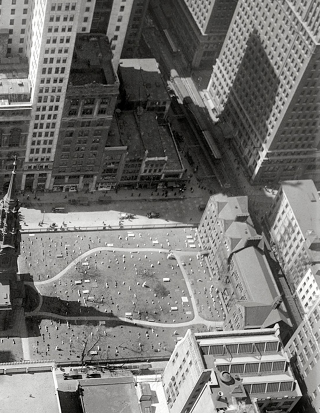(325k, 1095x1411)<br><b>Country:</b> United States<br><b>City:</b> New York<br><b>System:</b> New York City Transit<br><b>Line:</b> 9th Avenue El<br><b>Location:</b> Cortlandt Street <br><b>Collection of:</b> Frank Pfuhler<br><b>Date:</b> 4/19/1919<br><b>Notes:</b> View south from Woolworth Building<br><b>Viewed (this week/total):</b> 0 / 1397