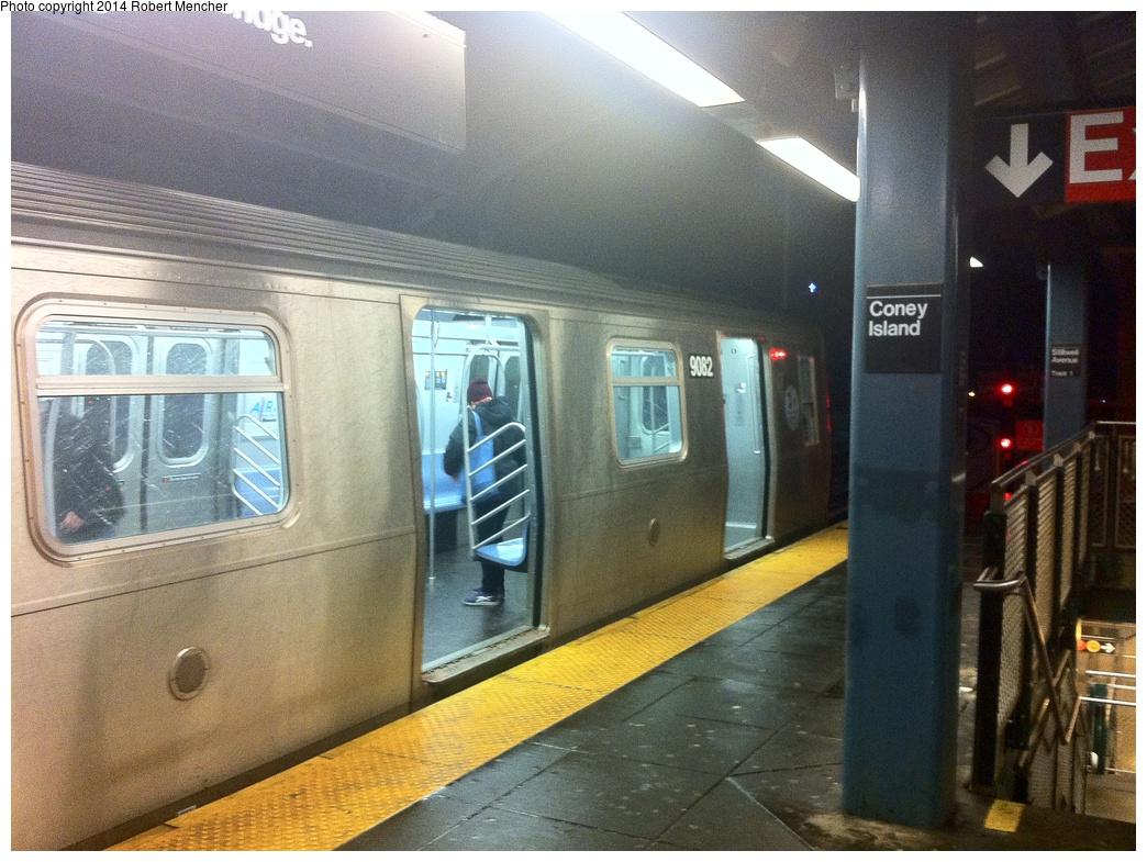 (353k, 1044x785)<br><b>Country:</b> United States<br><b>City:</b> New York<br><b>System:</b> New York City Transit<br><b>Location:</b> Coney Island/Stillwell Avenue<br><b>Route:</b> N<br><b>Car:</b> R-160B (Option 1) (Kawasaki, 2008-2009)  9082 <br><b>Photo by:</b> Robert Mencher<br><b>Date:</b> 1/5/2014<br><b>Viewed (this week/total):</b> 4 / 836