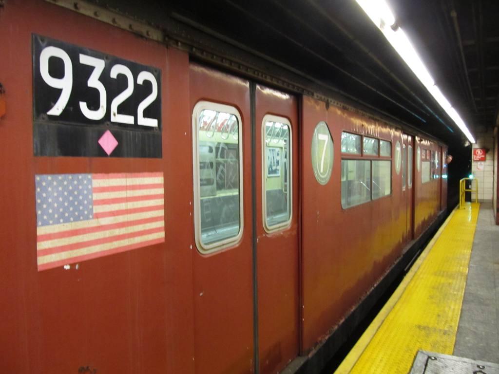 (84k, 1024x768)<br><b>Country:</b> United States<br><b>City:</b> New York<br><b>System:</b> New York City Transit<br><b>Route:</b> Work Service<br><b>Car:</b> R-33 World's Fair (St. Louis, 1963-64) 9322 <br><b>Photo by:</b> Robbie Rosenfeld<br><b>Date:</b> 12/5/2012<br><b>Viewed (this week/total):</b> 1 / 881