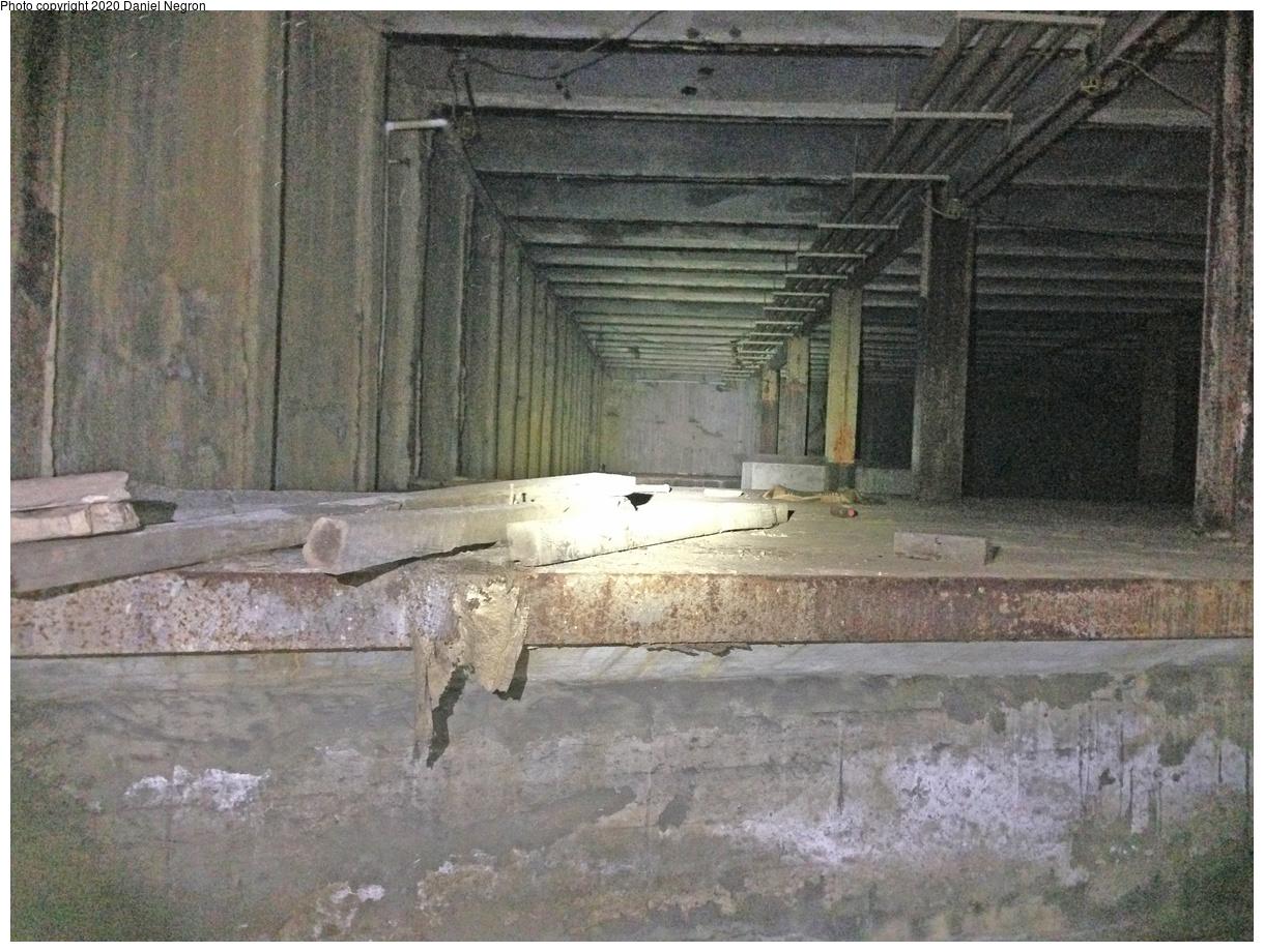 (414k, 1044x788)<br><b>Country:</b> United States<br><b>City:</b> New York<br><b>System:</b> New York City Transit<br><b>Line:</b> IND Fulton Street Line<br><b>Location:</b> Utica Avenue <br><b>Photo by:</b> Daniel Negron<br><b>Date:</b> 1/14/2014<br><b>Notes:</b> Utica Avenue - unused IND 2nd System trackways<br><b>Viewed (this week/total):</b> 0 / 1938