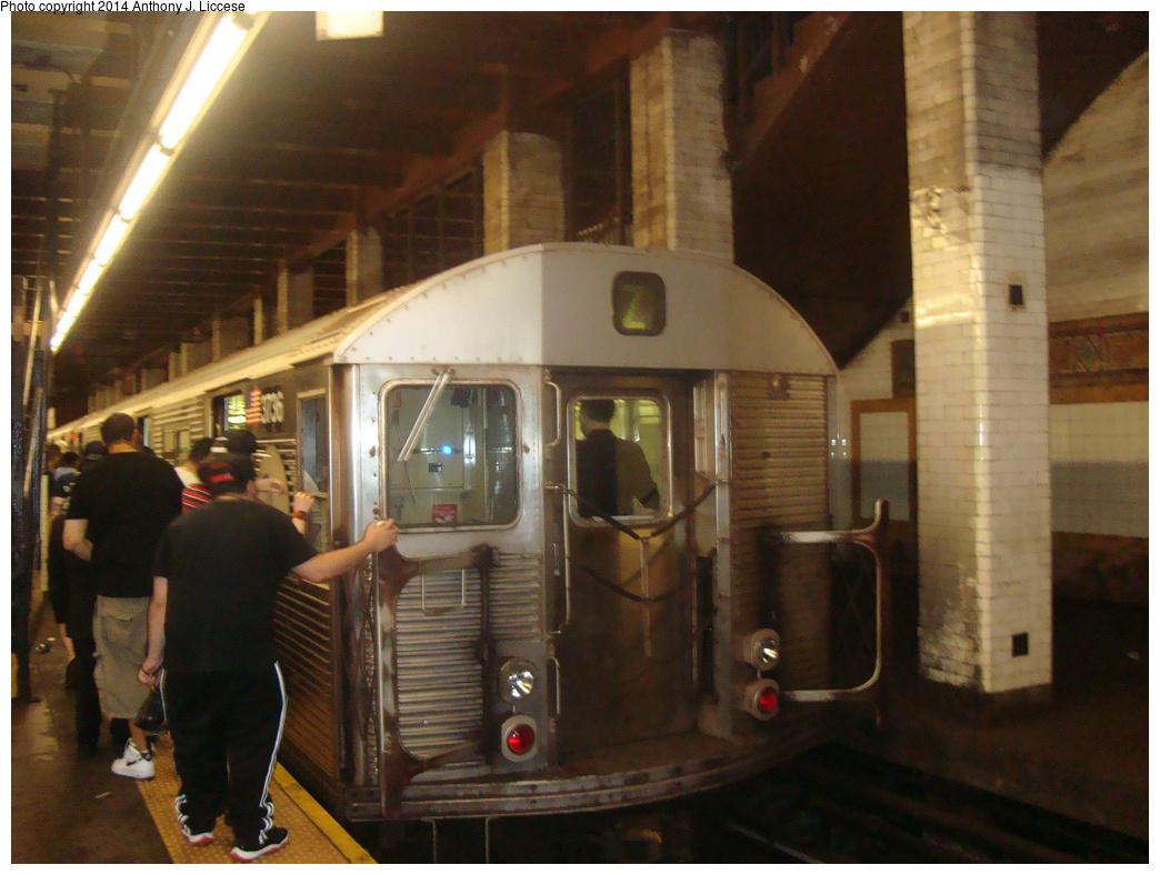 (326k, 1044x788)<br><b>Country:</b> United States<br><b>City:</b> New York<br><b>System:</b> New York City Transit<br><b>Line:</b> BMT Nassau Street/Jamaica Line<br><b>Location:</b> Chambers Street <br><b>Route:</b> Z<br><b>Car:</b> R-32 (Budd, 1964)  3736 <br><b>Photo by:</b> Anthony J. Liccese<br><b>Date:</b> 7/3/2013<br><b>Viewed (this week/total):</b> 0 / 1216
