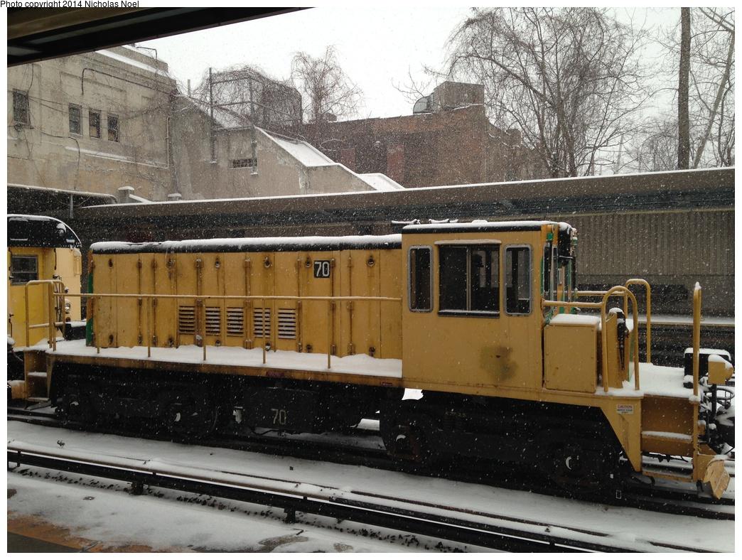 (390k, 1044x788)<br><b>Country:</b> United States<br><b>City:</b> New York<br><b>System:</b> New York City Transit<br><b>Line:</b> IRT Dyre Ave. Line<br><b>Location:</b> Gun Hill Road <br><b>Route:</b> Work Service<br><b>Car:</b> R-47 Locomotive  70 <br><b>Photo by:</b> Nicholas Noel<br><b>Date:</b> 1/21/2014<br><b>Notes:</b> De-icer train<br><b>Viewed (this week/total):</b> 1 / 734