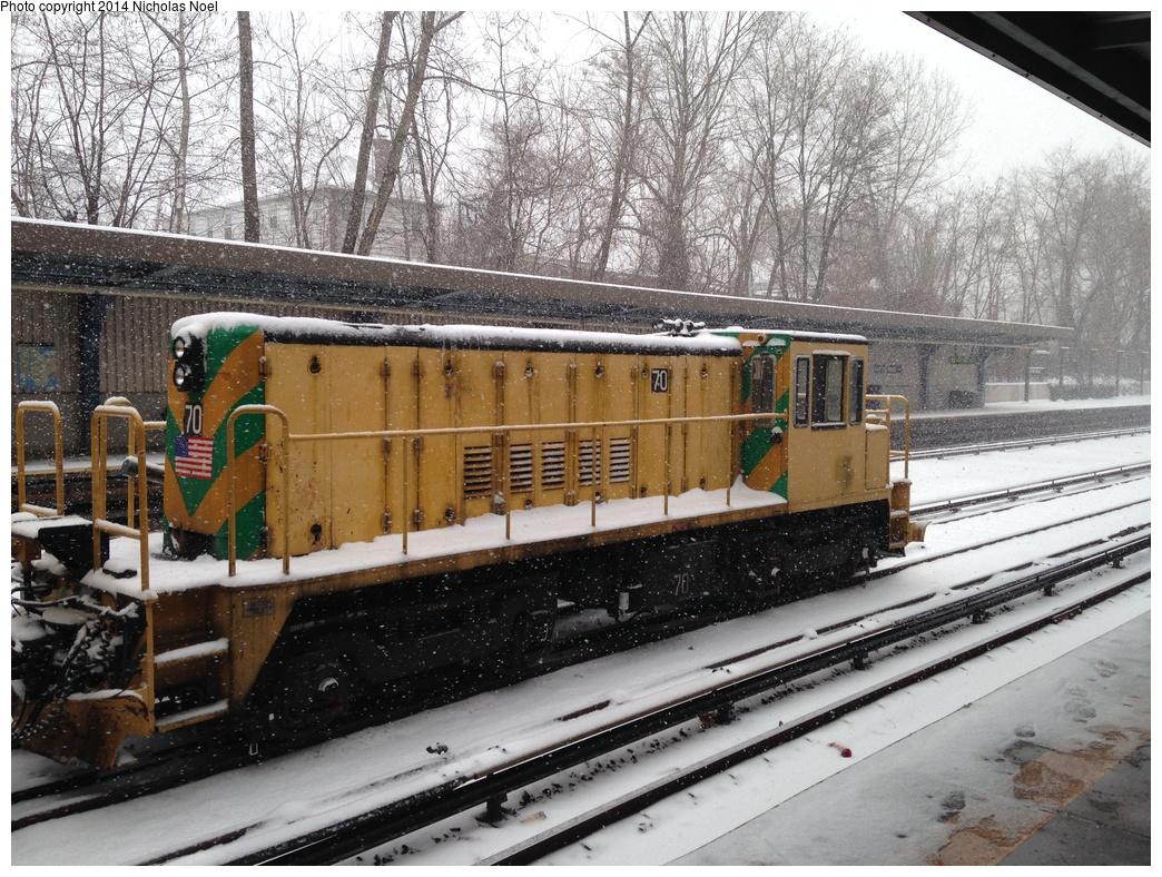 (418k, 1044x788)<br><b>Country:</b> United States<br><b>City:</b> New York<br><b>System:</b> New York City Transit<br><b>Line:</b> IRT Dyre Ave. Line<br><b>Location:</b> Gun Hill Road <br><b>Route:</b> Work Service<br><b>Car:</b> R-47 Locomotive  70 <br><b>Photo by:</b> Nicholas Noel<br><b>Date:</b> 1/21/2014<br><b>Notes:</b> De-icer train<br><b>Viewed (this week/total):</b> 0 / 802
