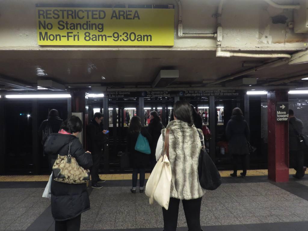 (100k, 1024x768)<br><b>Country:</b> United States<br><b>City:</b> New York<br><b>System:</b> New York City Transit<br><b>Line:</b> IND 8th Avenue Line<br><b>Location:</b> 34th Street/Penn Station <br><b>Photo by:</b> Robbie Rosenfeld<br><b>Date:</b> 1/15/2014<br><b>Viewed (this week/total):</b> 0 / 1076