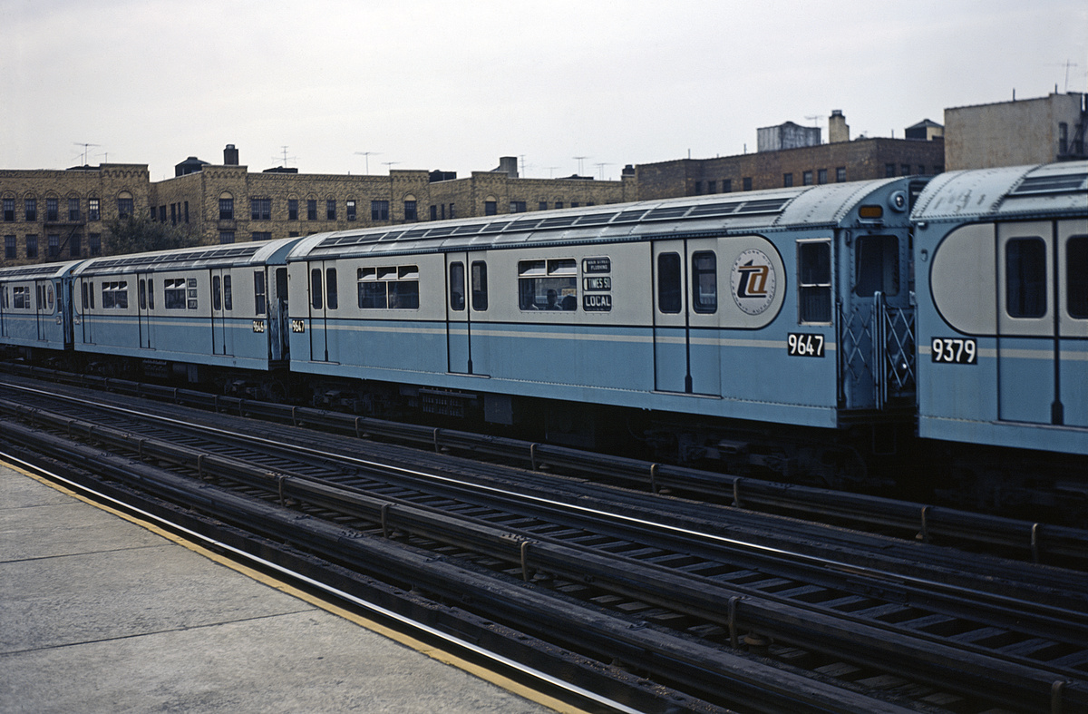 (351k, 1044x717)<br><b>Country:</b> United States<br><b>City:</b> New York<br><b>System:</b> New York City Transit<br><b>Line:</b> IRT Flushing Line<br><b>Location:</b> 90th Street/Elmhurst Avenue <br><b>Route:</b> 7<br><b>Car:</b> R-36 World's Fair (St. Louis, 1963-64) 9647 <br><b>Collection of:</b> David Pirmann<br><b>Viewed (this week/total):</b> 3 / 1510