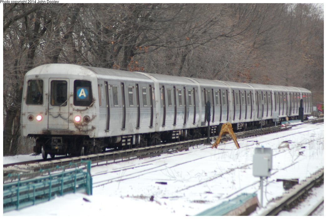 (328k, 1044x701)<br><b>Country:</b> United States<br><b>City:</b> New York<br><b>System:</b> New York City Transit<br><b>Line:</b> IND Rockaway<br><b>Location:</b> Aqueduct/North Conduit Avenue <br><b>Route:</b> A<br><b>Car:</b> R-46 (Pullman-Standard, 1974-75)  <br><b>Photo by:</b> John Dooley<br><b>Date:</b> 1/26/2014<br><b>Viewed (this week/total):</b> 0 / 1078