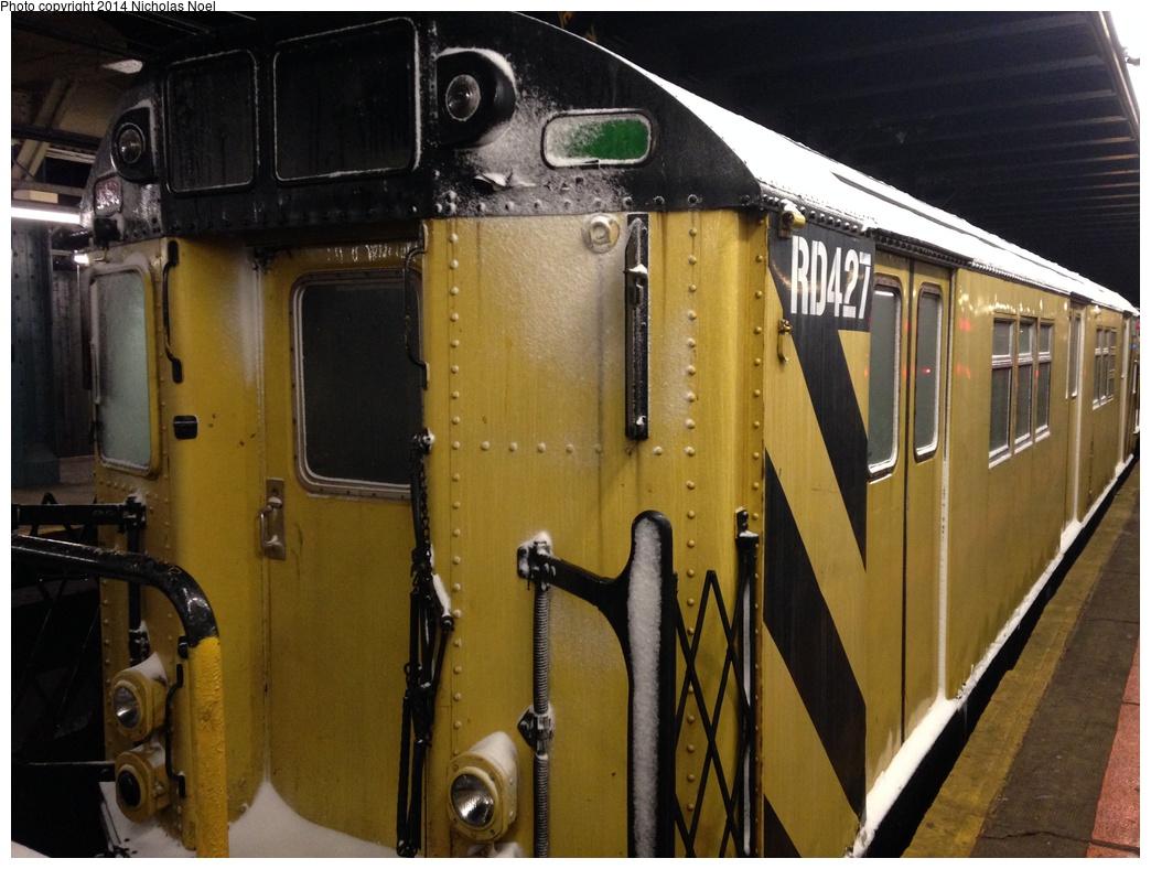 (288k, 1044x788)<br><b>Country:</b> United States<br><b>City:</b> New York<br><b>System:</b> New York City Transit<br><b>Line:</b> IRT Dyre Ave. Line<br><b>Location:</b> Pelham Parkway <br><b>Route:</b> Work Service<br><b>Car:</b> R-161 Rider Car (ex-R-33)  RD427 De-Icer <br><b>Photo by:</b> Nicholas Noel<br><b>Date:</b> 2/13/2014<br><b>Viewed (this week/total):</b> 7 / 1207