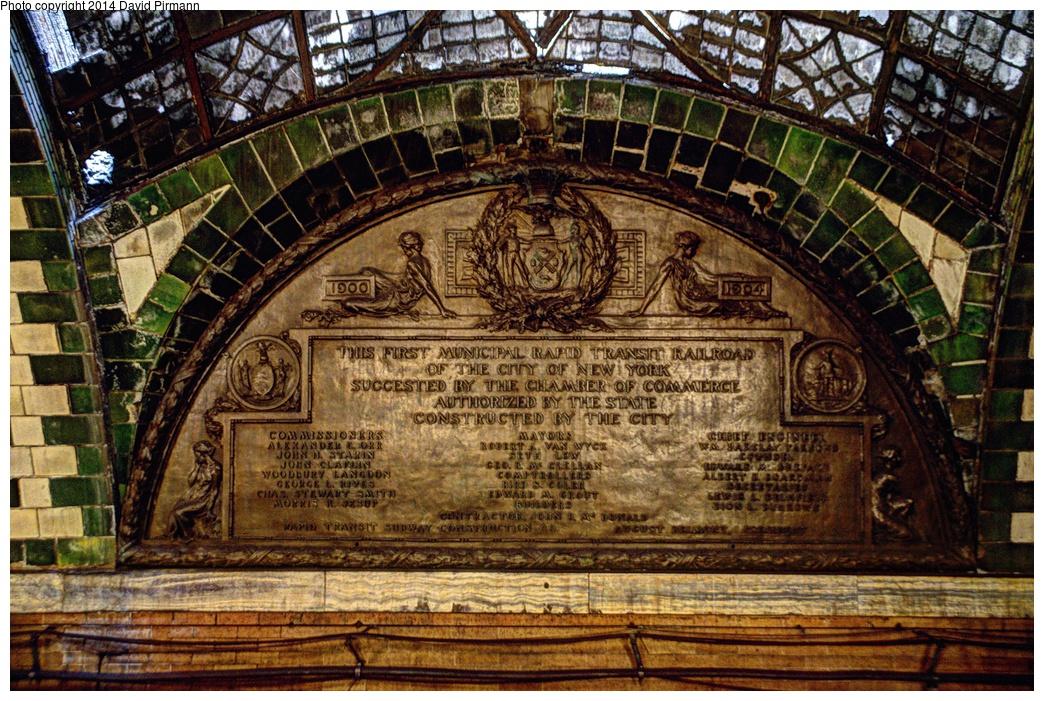 (456k, 1044x701)<br><b>Country:</b> United States<br><b>City:</b> New York<br><b>System:</b> New York City Transit<br><b>Line:</b> IRT East Side Line<br><b>Location:</b> City Hall <br><b>Photo by:</b> David Pirmann<br><b>Date:</b> 4/13/2013<br><b>Viewed (this week/total):</b> 5 / 2090