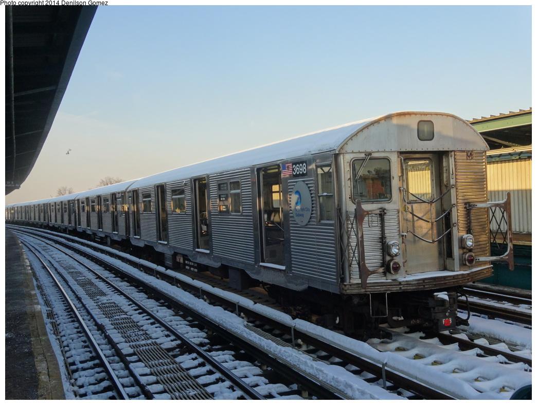 (343k, 1044x788)<br><b>Country:</b> United States<br><b>City:</b> New York<br><b>System:</b> New York City Transit<br><b>Line:</b> BMT Nassau Street/Jamaica Line<br><b>Route:</b> J layup<br><b>Car:</b> R-32 (Budd, 1964)  3698 <br><b>Photo by:</b> Denilson Gomez<br><b>Date:</b> 2/10/2014<br><b>Viewed (this week/total):</b> 5 / 1210