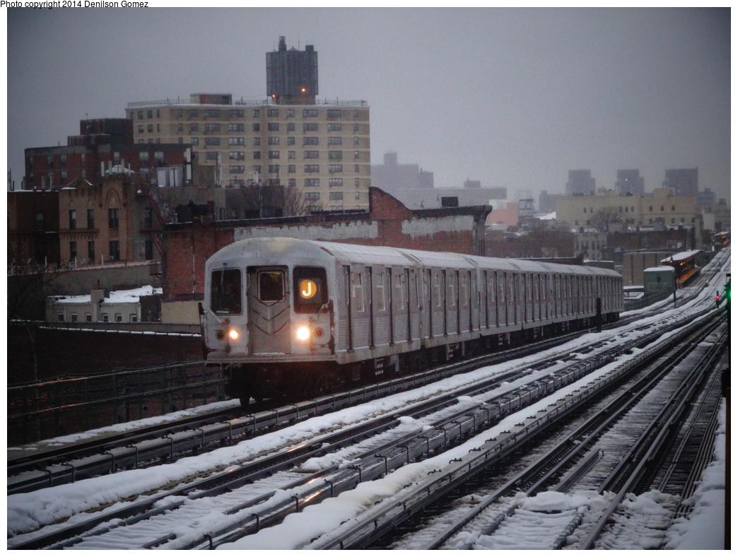 (352k, 1044x788)<br><b>Country:</b> United States<br><b>City:</b> New York<br><b>System:</b> New York City Transit<br><b>Line:</b> BMT Nassau Street/Jamaica Line<br><b>Location:</b> Chauncey Street <br><b>Route:</b> J<br><b>Car:</b> R-42 (St. Louis, 1969-1970)   <br><b>Photo by:</b> Denilson Gomez<br><b>Date:</b> 2/13/2014<br><b>Viewed (this week/total):</b> 1 / 1709