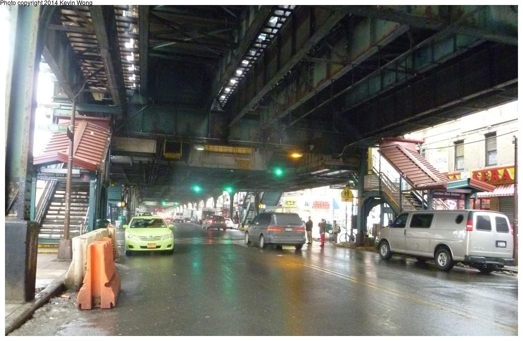 (310k, 1044x682)<br><b>Country:</b> United States<br><b>City:</b> New York<br><b>System:</b> New York City Transit<br><b>Line:</b> IRT Flushing Line<br><b>Location:</b> Junction Boulevard <br><b>Photo by:</b> Kevin Wong<br><b>Date:</b> 2/19/2014<br><b>Viewed (this week/total):</b> 0 / 1726