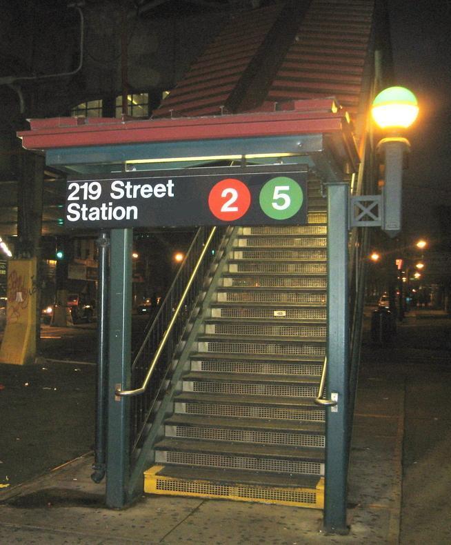 (90k, 654x790)<br><b>Country:</b> United States<br><b>City:</b> New York<br><b>System:</b> New York City Transit<br><b>Line:</b> IRT White Plains Road Line<br><b>Location:</b> 219th Street <br><b>Photo by:</b> Jay Kindell<br><b>Date:</b> 9/23/2008<br><b>Notes:</b> Station entrance.<br><b>Viewed (this week/total):</b> 1 / 1525