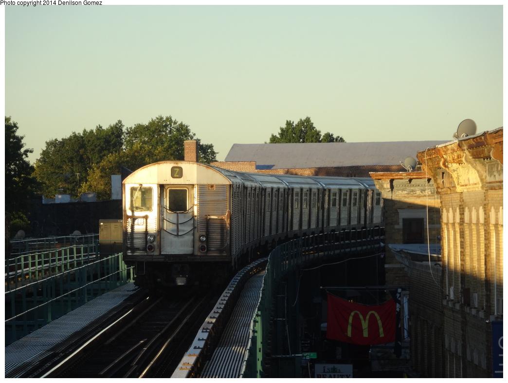 (299k, 1044x788)<br><b>Country:</b> United States<br><b>City:</b> New York<br><b>System:</b> New York City Transit<br><b>Line:</b> BMT Nassau Street/Jamaica Line<br><b>Location:</b> Woodhaven Boulevard <br><b>Route:</b> Z<br><b>Car:</b> R-32 (Budd, 1964)   <br><b>Photo by:</b> Denilson Gomez<br><b>Date:</b> 9/24/2013<br><b>Viewed (this week/total):</b> 0 / 1096