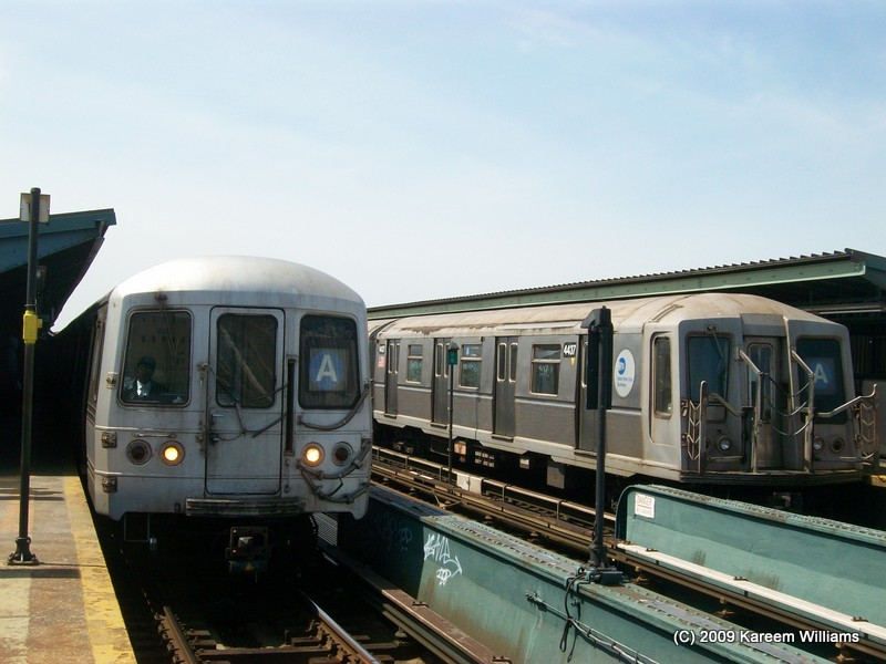 (112k, 800x600)<br><b>Country:</b> United States<br><b>City:</b> New York<br><b>System:</b> New York City Transit<br><b>Line:</b> IND Fulton Street Line<br><b>Location:</b> Rockaway Boulevard <br><b>Route:</b> A<br><b>Car:</b> R-40 (St. Louis, 1968)  4437 <br><b>Photo by:</b> Kareem Williams<br><b>Date:</b> 4/13/2009<br><b>Viewed (this week/total):</b> 1 / 787
