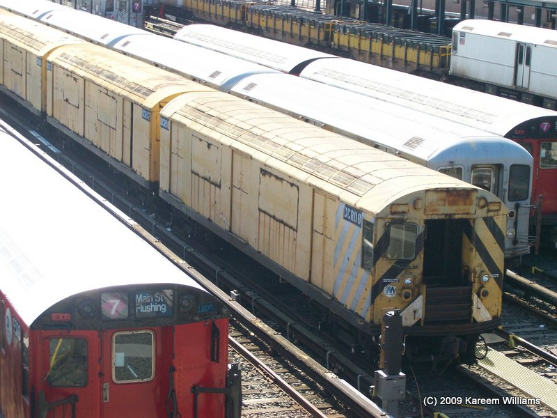 (127k, 800x600)<br><b>Country:</b> United States<br><b>City:</b> New York<br><b>System:</b> New York City Transit<br><b>Location:</b> Corona Yard<br><b>Car:</b> R-123 Continuous Welded Rail Handler (R17/R21/R22 Rebuilds) DCR08 <br><b>Photo by:</b> Kareem Williams<br><b>Date:</b> 5/13/2009<br><b>Viewed (this week/total):</b> 4 / 1241