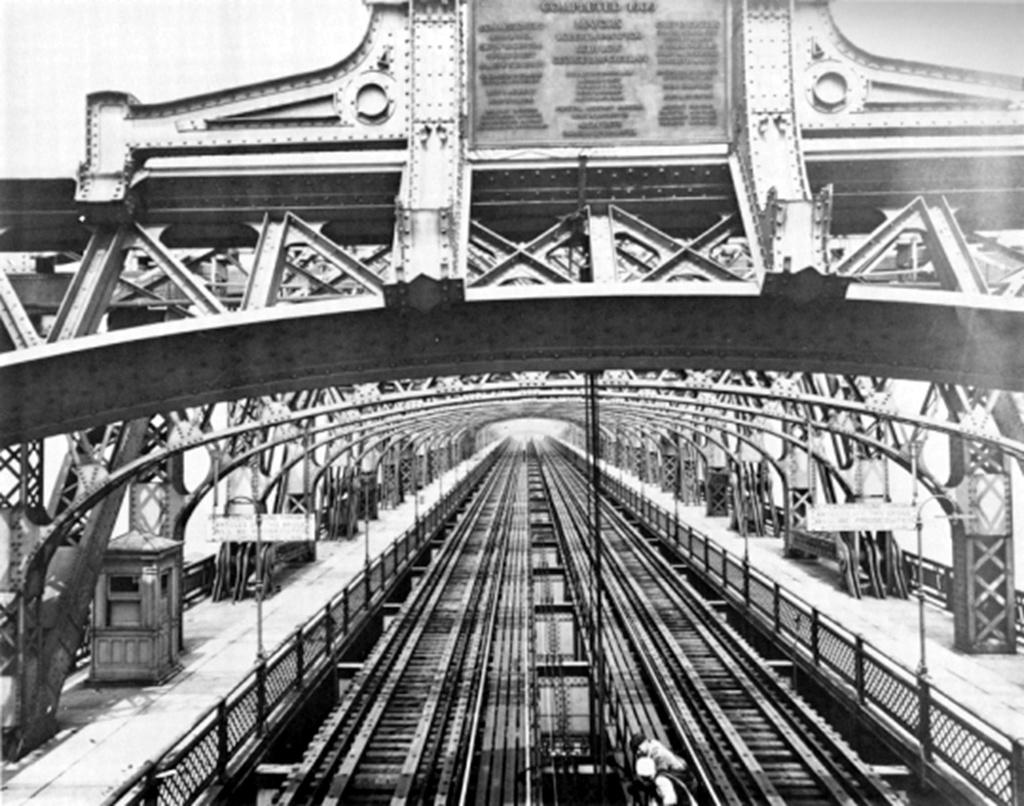 (272k, 1024x806)<br><b>Country:</b> United States<br><b>City:</b> New York<br><b>System:</b> New York City Transit<br><b>Line:</b> 2nd Avenue El<br><b>Location:</b> Queensborough Bridge <br><b>Collection of:</b> Frank Pfuhler<br><b>Viewed (this week/total):</b> 3 / 1534