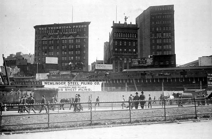 (116k, 714x469)<br><b>Country:</b> United States<br><b>City:</b> New York<br><b>System:</b> New York City Transit<br><b>Line:</b> 3rd Avenue El<br><b>Location:</b> City Hall <br><b>Collection of:</b> Frank Pfuhler<br><b>Date:</b> 1903<br><b>Viewed (this week/total):</b> 3 / 606
