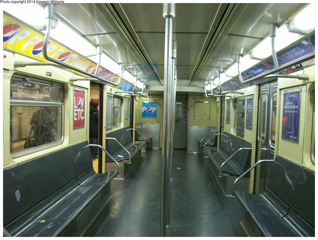 (335k, 1044x788)<br><b>Country:</b> United States<br><b>City:</b> New York<br><b>System:</b> New York City Transit<br><b>Route:</b> F<br><b>Car:</b> R-32 (Budd, 1964)  3511 <br><b>Photo by:</b> Kareem Williams<br><b>Date:</b> 3/17/2009<br><b>Viewed (this week/total):</b> 3 / 1103