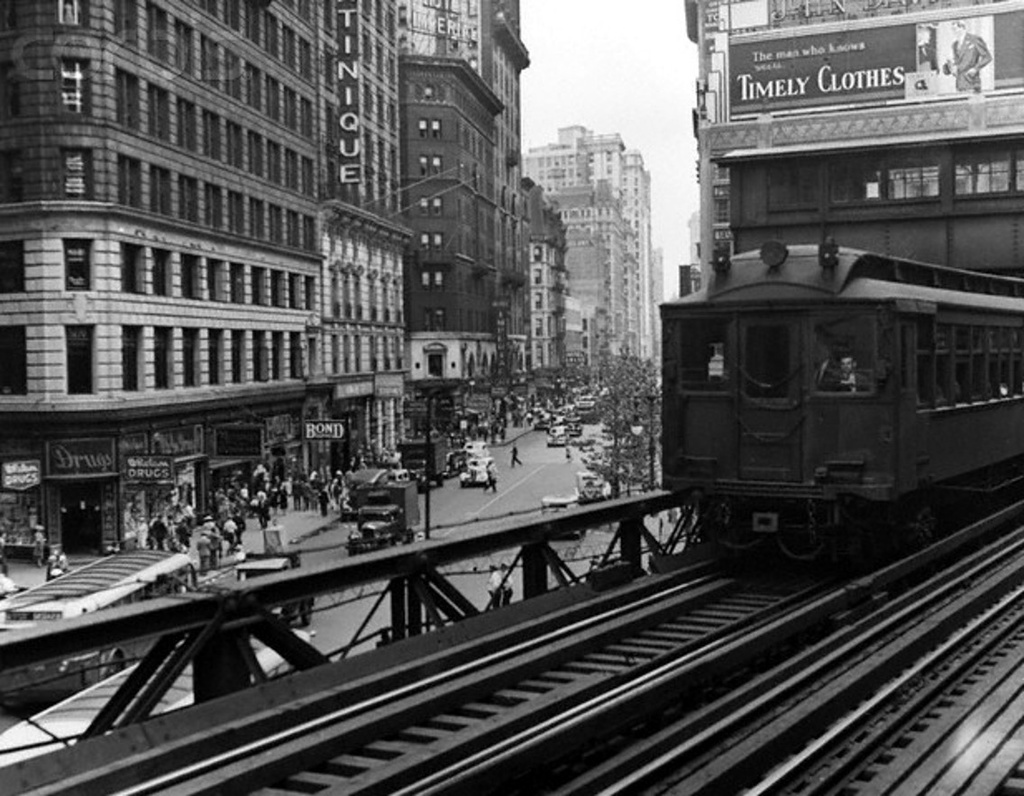 (263k, 1024x796)<br><b>Country:</b> United States<br><b>City:</b> New York<br><b>System:</b> New York City Transit<br><b>Line:</b> 6th Avenue El<br><b>Location:</b> 33rd Street <br><b>Collection of:</b> Frank Pfuhler<br><b>Viewed (this week/total):</b> 4 / 636