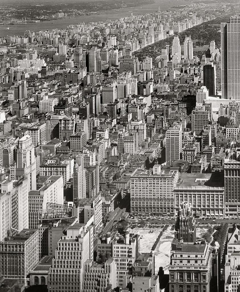 (530k, 843x1024)<br><b>Country:</b> United States<br><b>City:</b> New York<br><b>System:</b> New York City Transit<br><b>Line:</b> 6th Avenue El<br><b>Location:</b> 42nd Street <br><b>Collection of:</b> Frank Pfuhler<br><b>Date:</b> 9/11/1933<br><b>Viewed (this week/total):</b> 0 / 1062