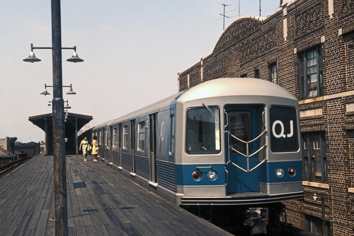 (260k, 1024x683)<br><b>Country:</b> United States<br><b>City:</b> New York<br><b>System:</b> New York City Transit<br><b>Line:</b> BMT Nassau Street/Jamaica Line<br><b>Location:</b> Van Siclen Avenue <br><b>Route:</b> QJ<br><b>Car:</b> R-42 (St. Louis, 1969-1970)  4715 <br><b>Collection of:</b> David Pirmann<br><b>Date:</b> 7/4/1969<br><b>Viewed (this week/total):</b> 5 / 1785